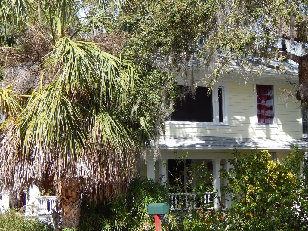 Old Florida on North Grosse Avenue