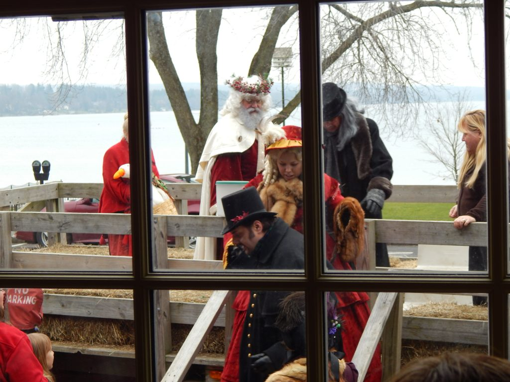 Father Christmas Arrives at the Sherwood Inn